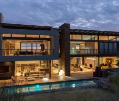 Wonderfull Dream House Design Architecture with Small Pool