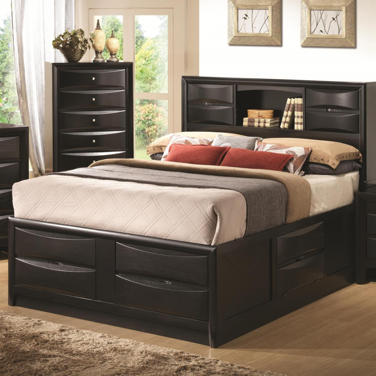 4-drawers-on-black-wooden-bed-frames-furnishing