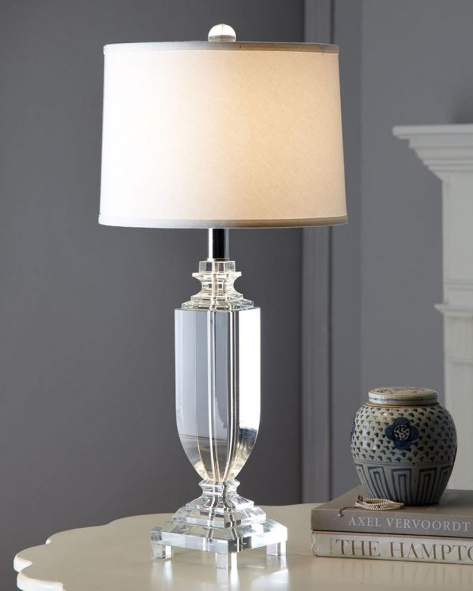 alluring-glass-materials-of-bedroom-table-lamps