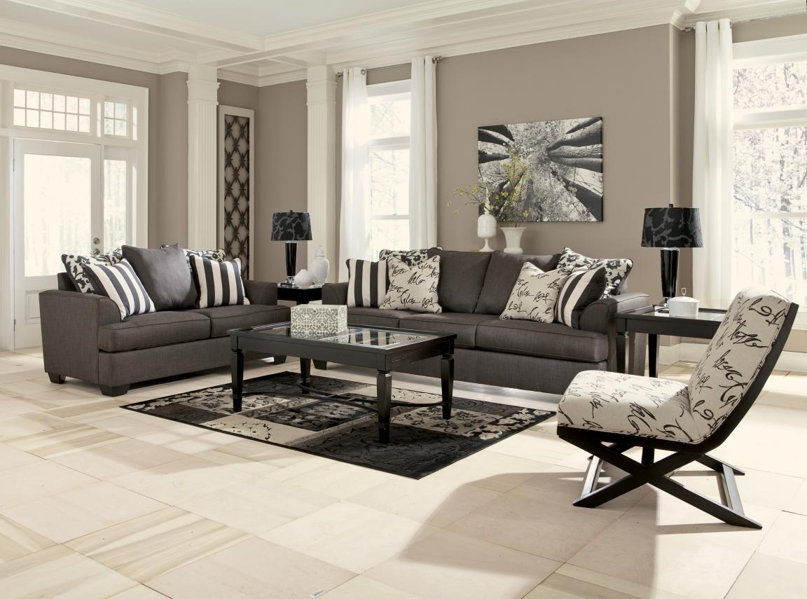 Black-and-white-sofa-and-accent-chairs-for-living-room-for