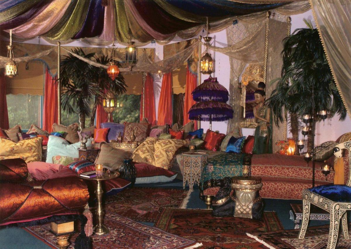 Living room with moroccan decoration furnitures home for Moroccan living room furniture 02