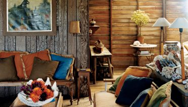 wooden-small-living-room-decorating-ideas