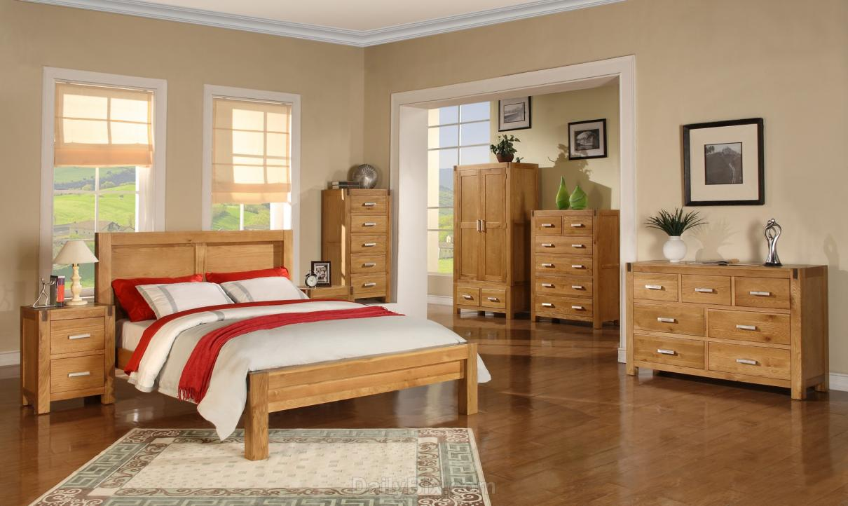big-size-bedroom-with-oak-bedroom-decoration-furniture