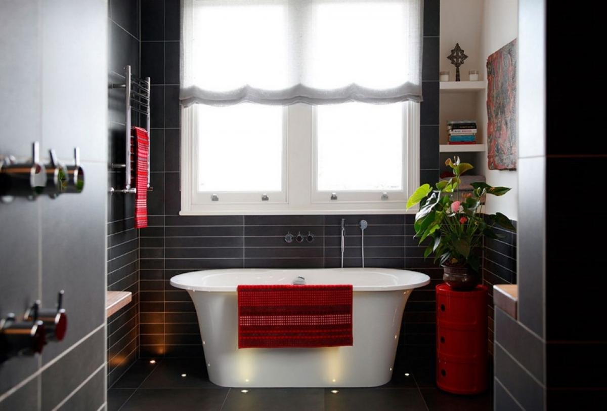 modern-small-bathroom-decoration-ideas-with-black-wall-and-unique-tube-design