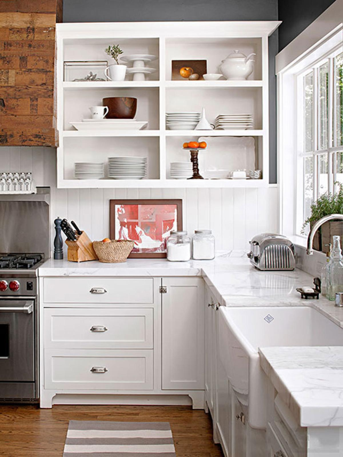 small-kitchen-design-with-white-wooden-and-small-kitchen-cabinet
