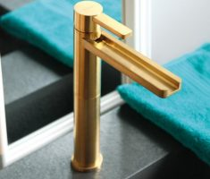 alluirng simple gold modern bathroom faucets
