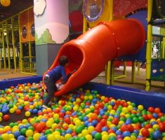 big pipe with pool colorful balls kids indoor playground