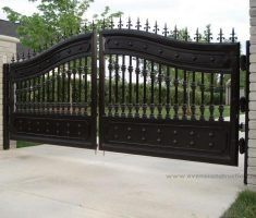 cool black metal front gate designs with arrow on edge