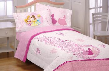 disney-princess-bedroom-set-blanket-and-pillow