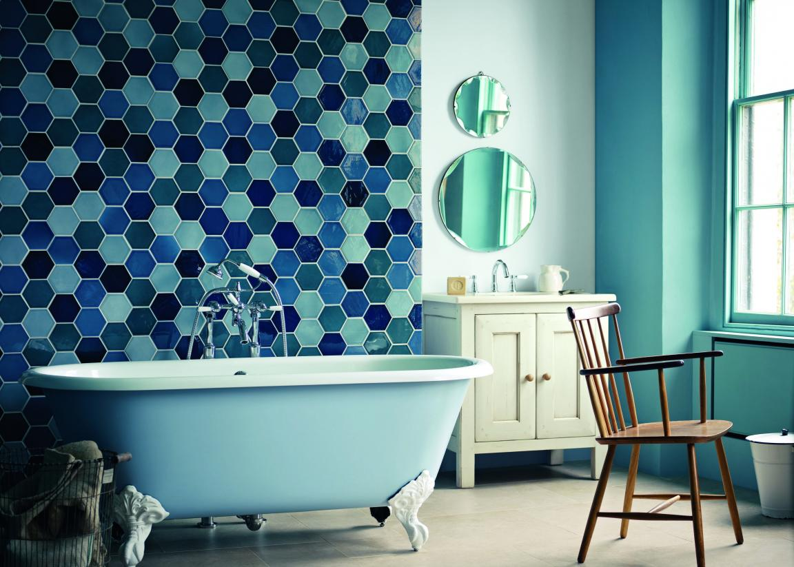 hexagonal-mosaic-blue-bathroom-tiles-for-stylish-bathroom