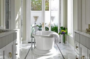 modern-traditional-bathroom-designs-with-marble-tiles