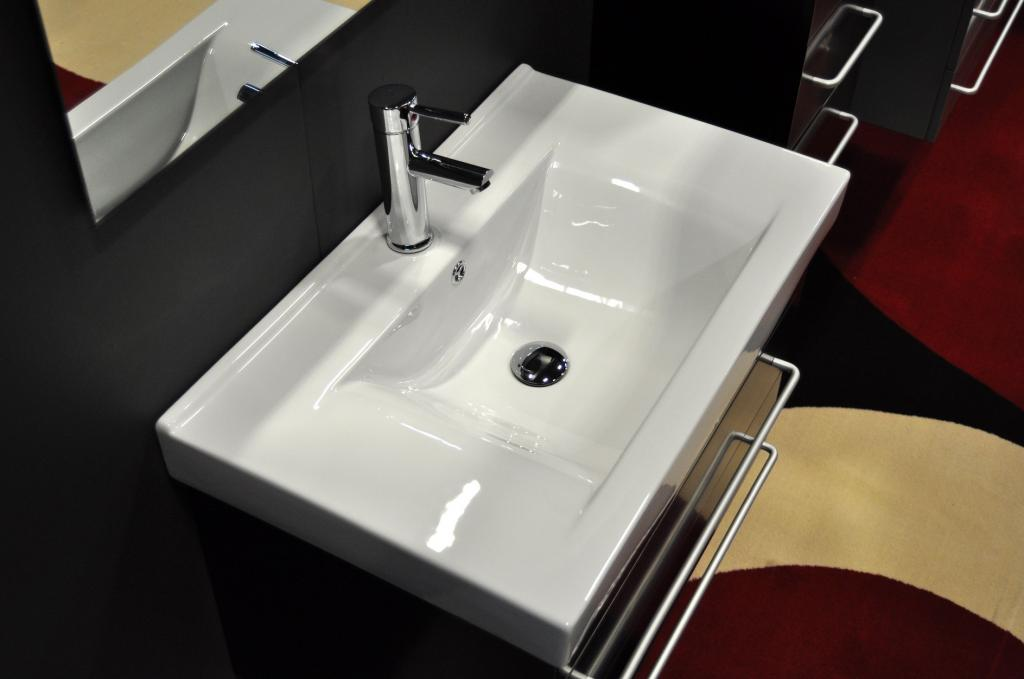 Modern undermount bathroom sinks porcelain home inspiring - Things to consider when choosing a kitchen sink ...