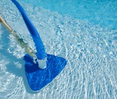 moss vacuum cleaner for maintenance swimming pool