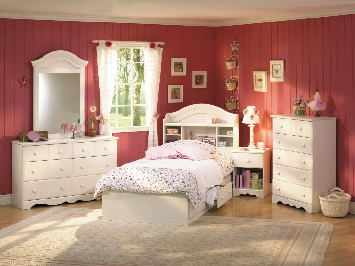 Red And Ivory Girls Bedroom Furniture Themed