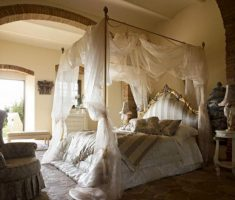 romantic modern canopy beds wiht white bridal curtain