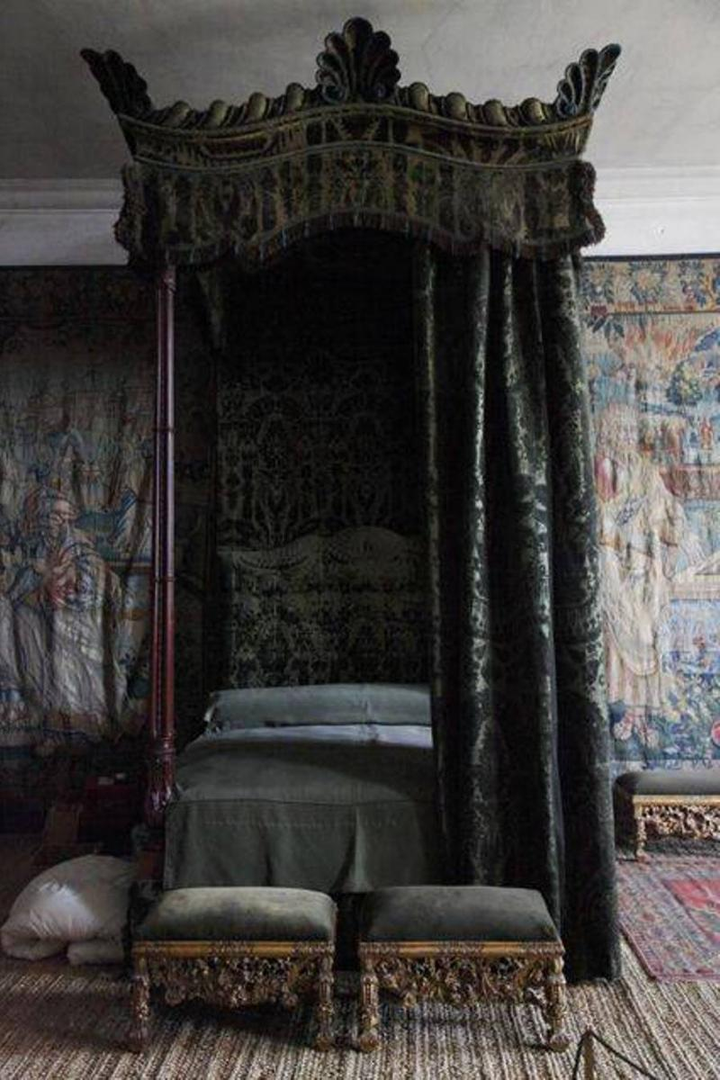 Small gothic canopy beds with black gothic curtain - Black canopy bed curtains ...