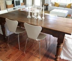 small modern farmhouse dining table with chairs