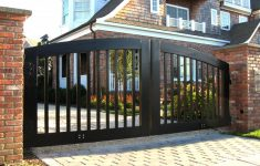 Best Choosing Front Gate Designs for Lovely Safety