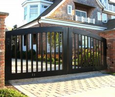 traditional modern front gate designs with black wooden materil for old country house
