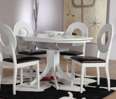 unique hudson white dining table and 4 fllint chairs
