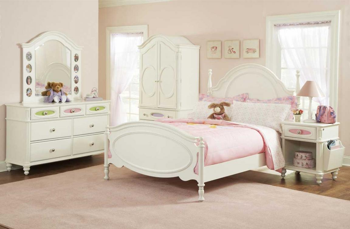 White ivory girls bedroom furniture with pink blanket for Girls bedroom furniture