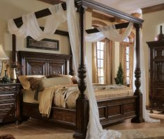 wood romantic canopy beds