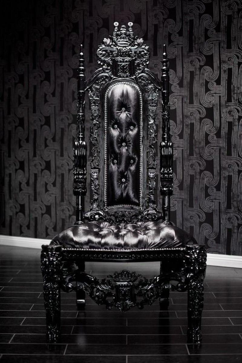 cool-throne-gothic-black-leather-sofa