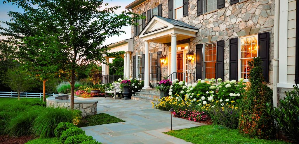 fantastic-modern-landscaping-ideas-for-front-yard-with-porch