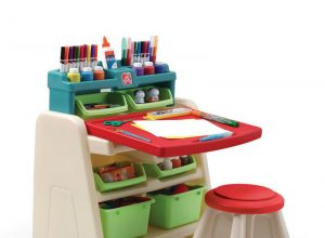 funny-children-art-tables-and-desks-with-racks-and-penc-colours-case