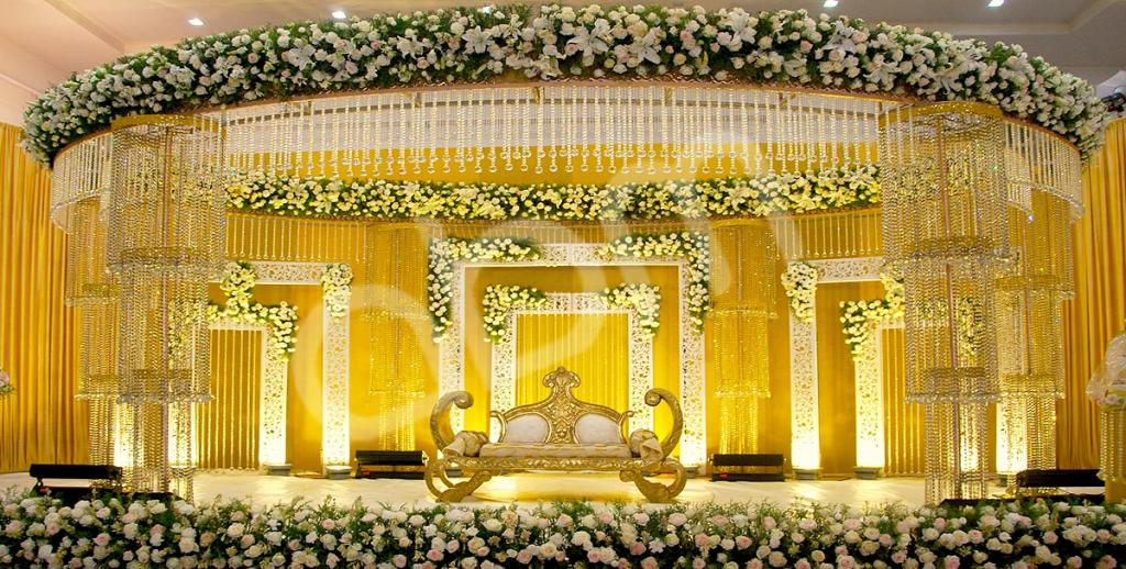 royal-modern-kerala-wedding-room-decorations