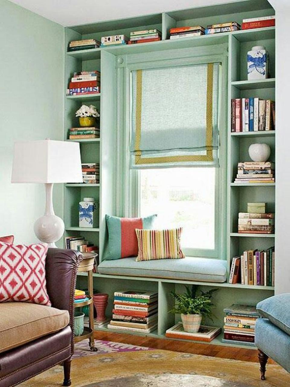 small-space-decoration-for-reading-room-with-green-theme