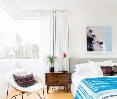all-white-bedroom-for-small-space-decoration