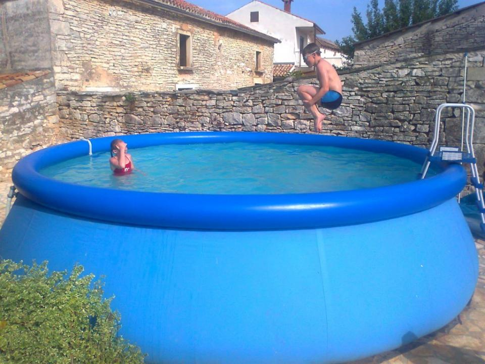 Hard plastic garden pool for kids home inspiring for Big garden pools