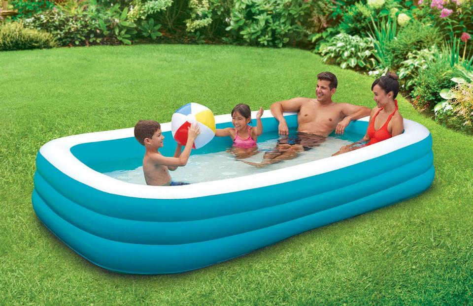 big-rounded-square-blue-inflantable-plastic-garden-pool