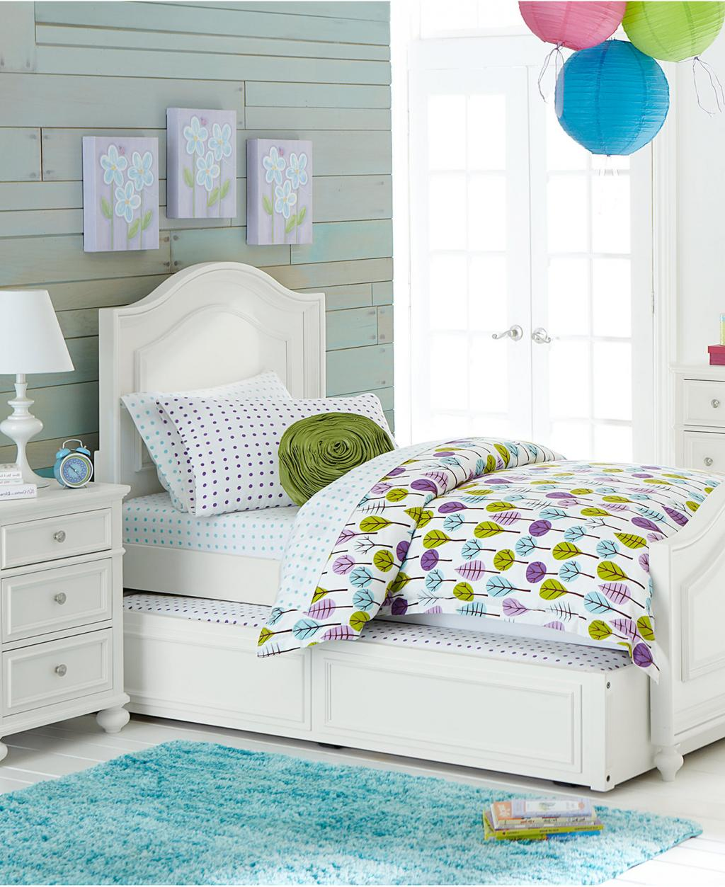 Classic girls white bedroom furniture with double bedroom for Classic white bedroom