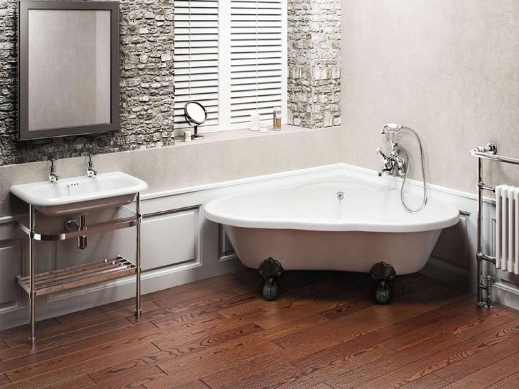 Cute corner freestanding clawfoot bathtubs home inspiring for Very small corner bath