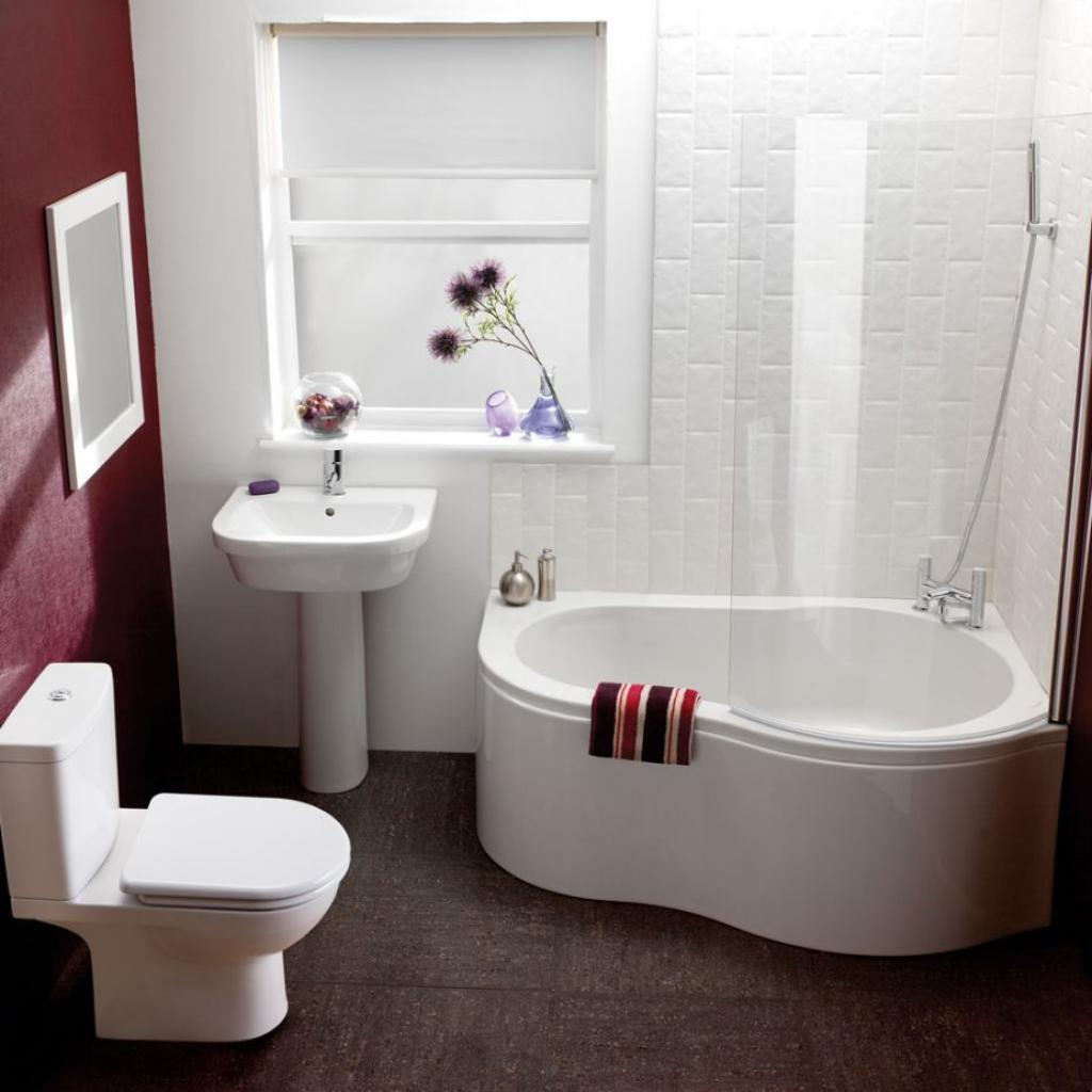 cute-modern-small-bathroom-remodelling-with-small-corner-tub
