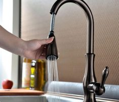 delta kitchen faucets oil rubbed bronze with sprayer