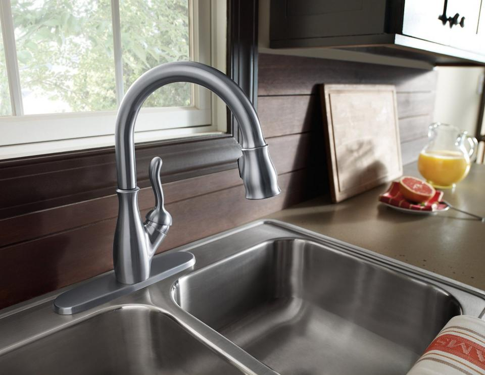 elegant-delta-kitchen-faucets-pull-down