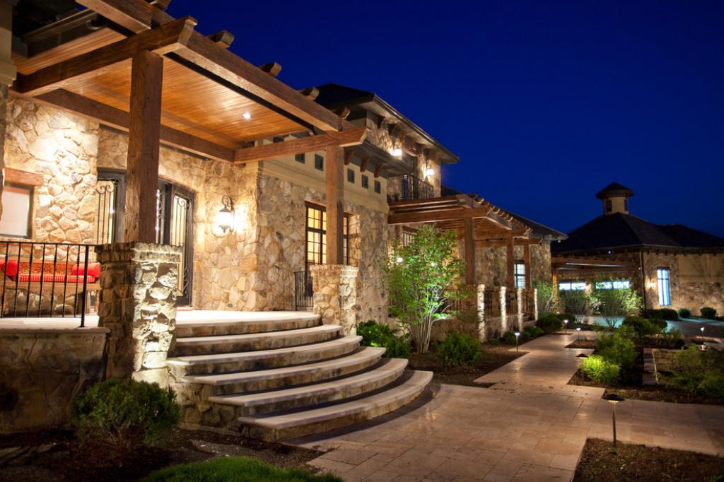 Fantastic exterior mediterranean tuscan style homes home for Tuscan home exterior colors