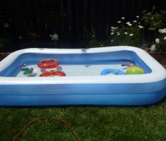 inflantable plastic garden pool with balls