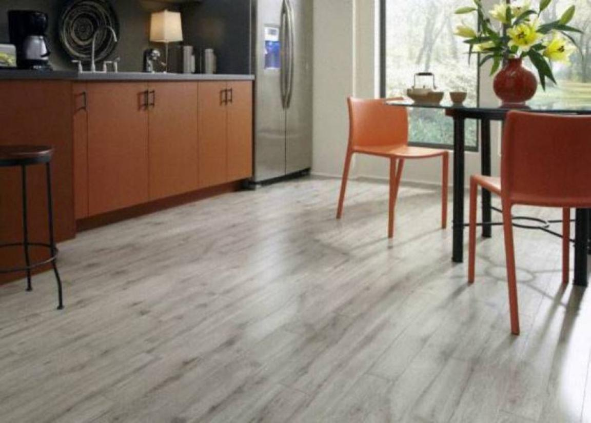 grey-laminate-flooring-kitchen