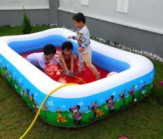 mickey mouse paint on inflantable plastic garden pool for kids