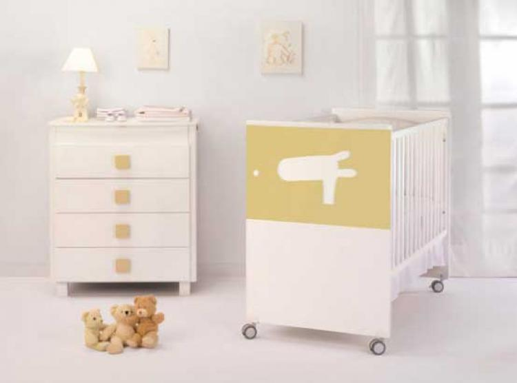 mild-color-theme-baby-nursery-furniture-by-cambarss