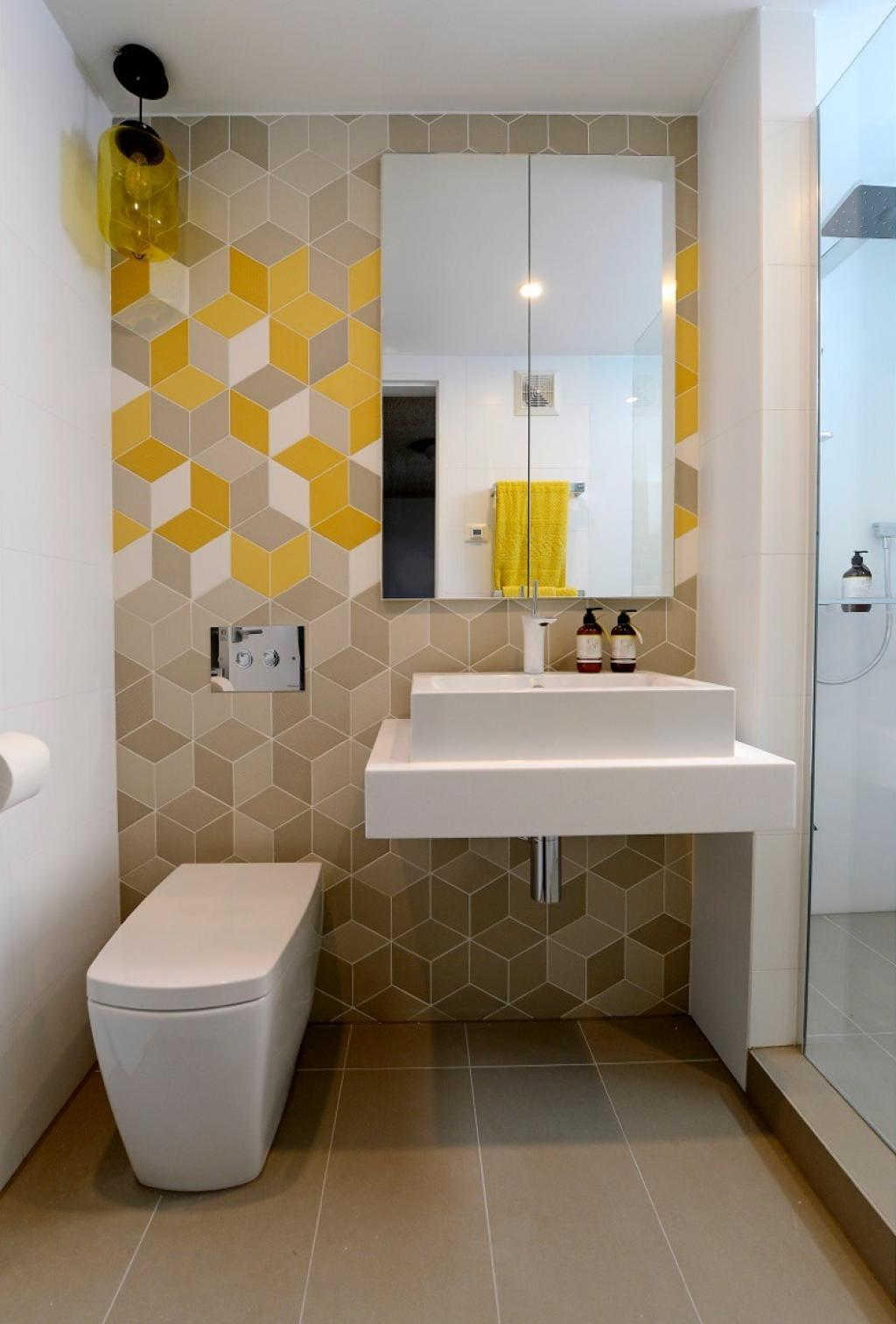 modern-small-bathroom-remodelling-with-hexagon-patter-wall-decor