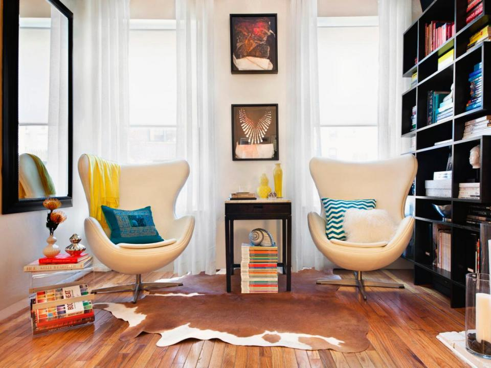 modern-small-reading-book-small-space-decoration-with-twin-elegant-chair-and-leather-carpet