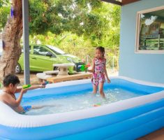 nice inflantable plastic garden pool for kids