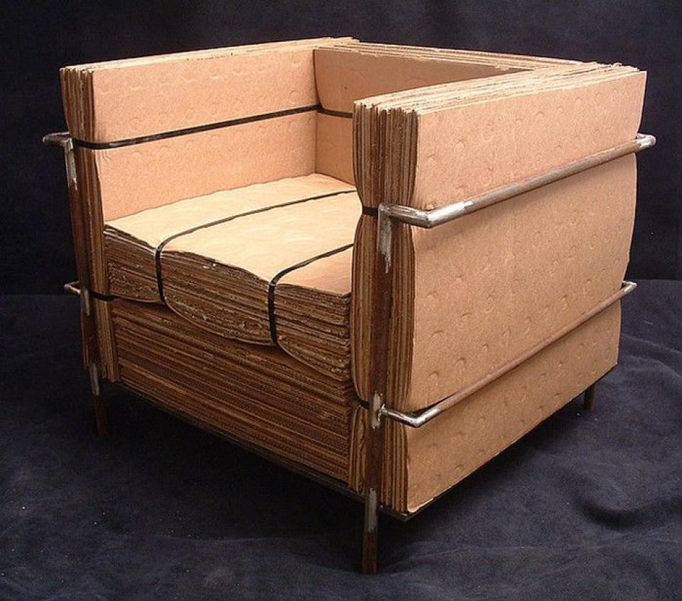 Simple cardboard chair recycled furniture paper for Simple recycled materials