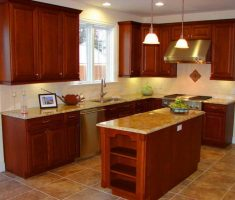 tiny kitchen remodelling with varnish wooden cabinets