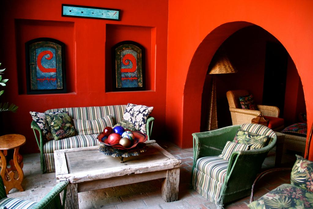 28 alluring contemporary mexican interior design ideas for Small traditional living room ideas